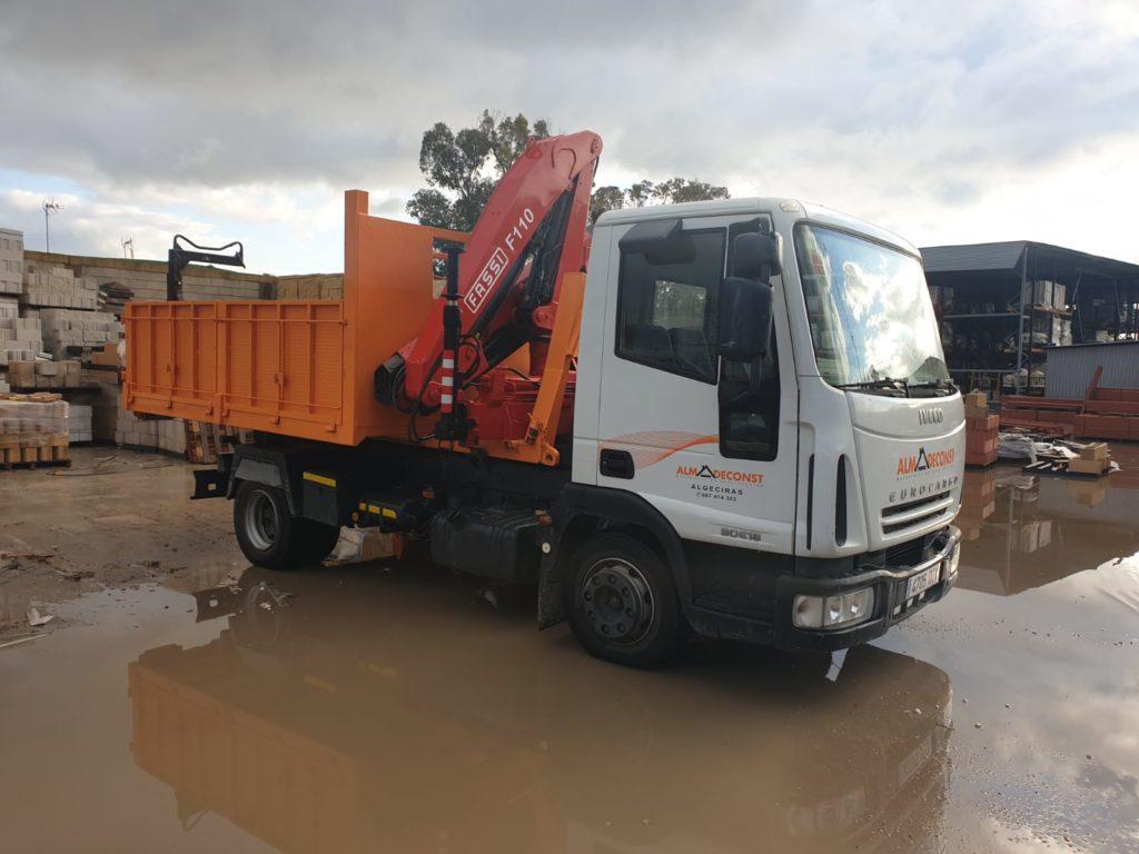 camion grua pluma en algeciras y el campo de gibraltar